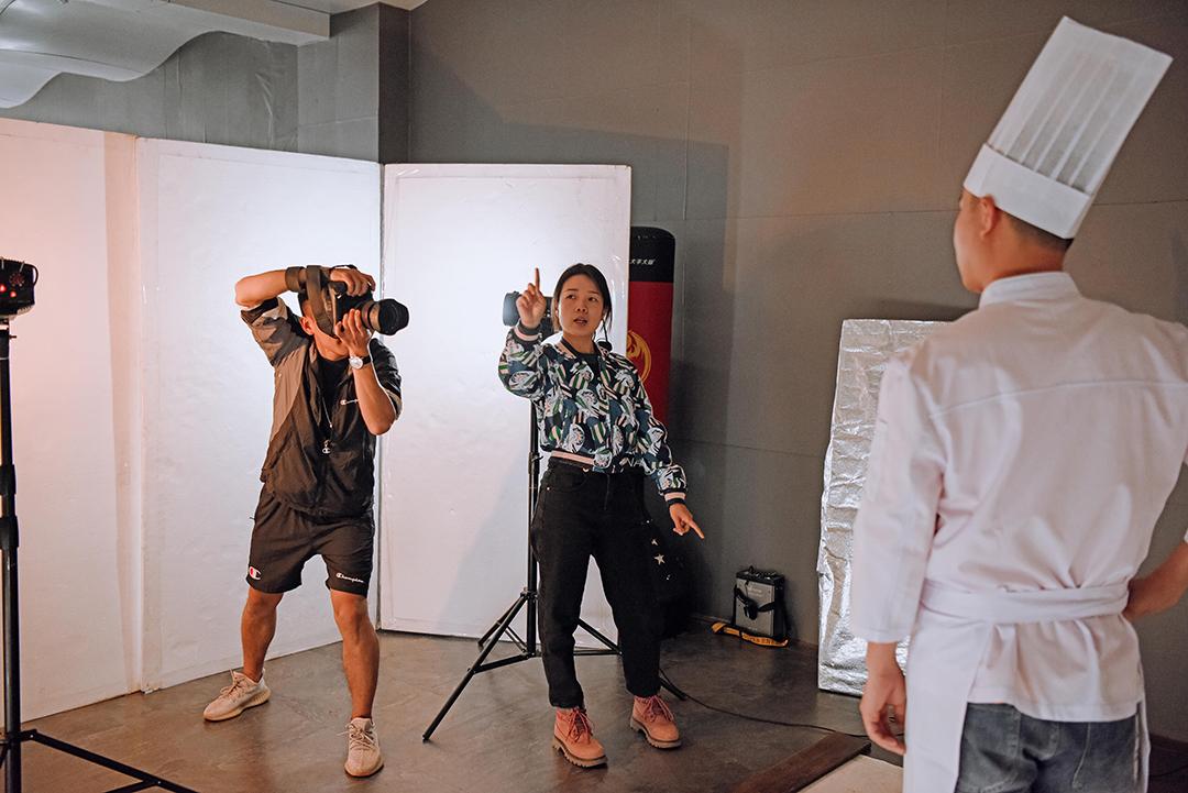 2021年3月24号摄影班学员室内拍摄花絮 专业知识 摄影培训 外拍活动  第3张