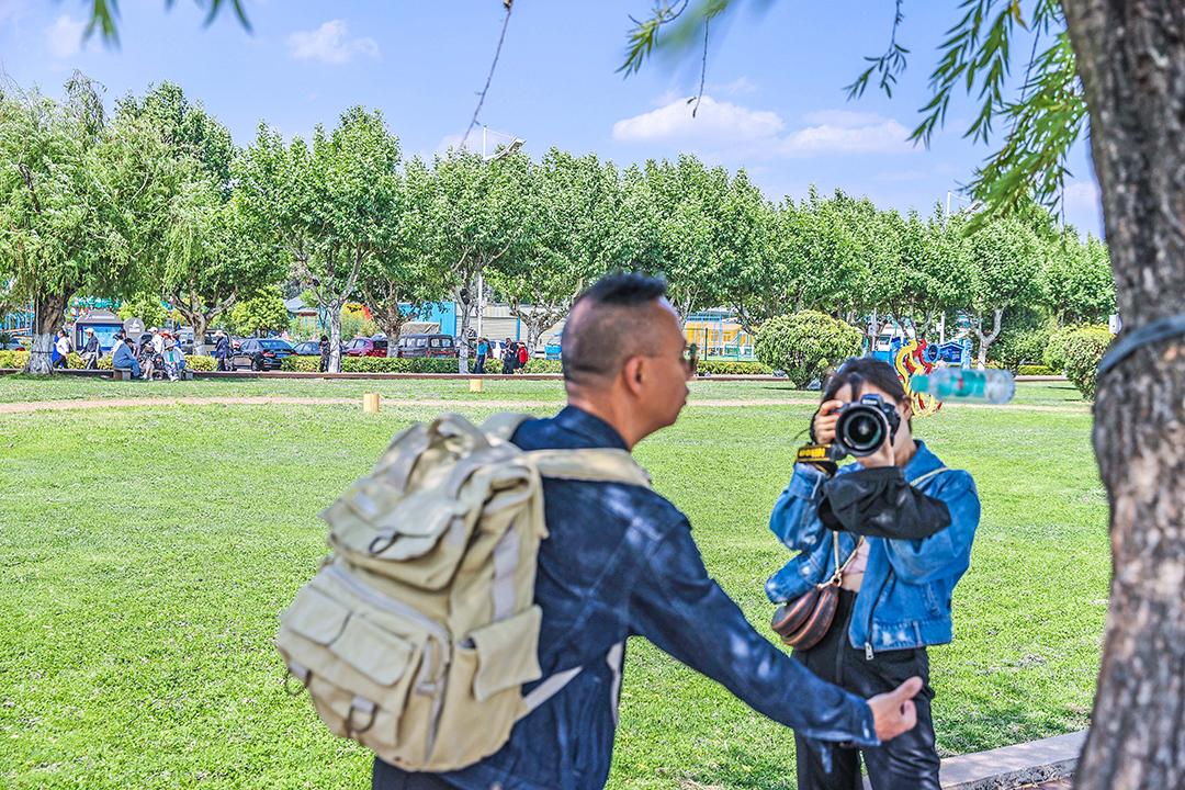 2021年4月19号摄影班学员室外拍摄花絮 专业知识 摄影培训 外拍活动  第12张
